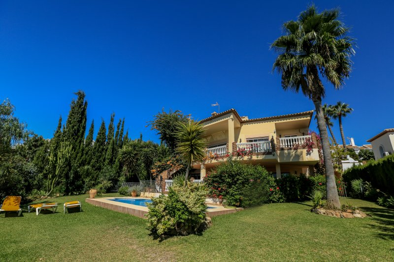 Villa Panoramica, holiday rental in Sitio de Calahonda
