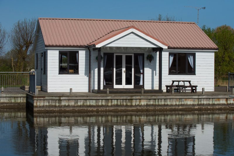 Swift Cottage, holiday rental in Ludham