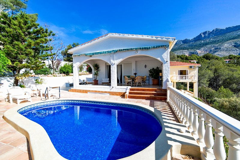 Partidor Villa Sleeps 6 with Pool and Air Con - 5489872, holiday rental in Tarbena