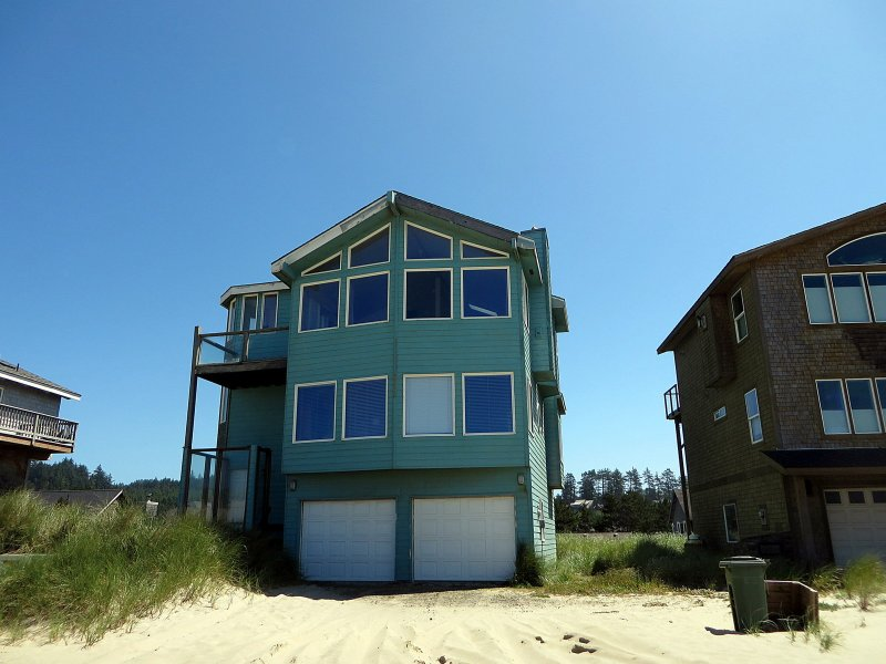 Seaside Splendor 133 Large Pacific City Home Across The Street From Beach Wit