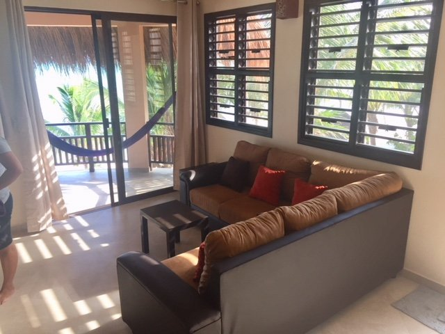Casita Kaan couch with ocean view