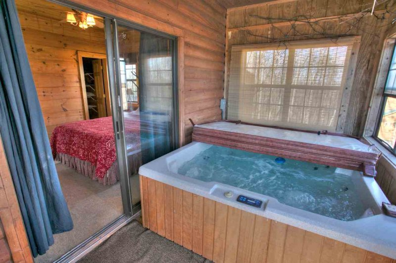 Acess Hot Tub from Bedroom