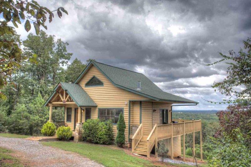 Private Cabin w/ Amazing Views