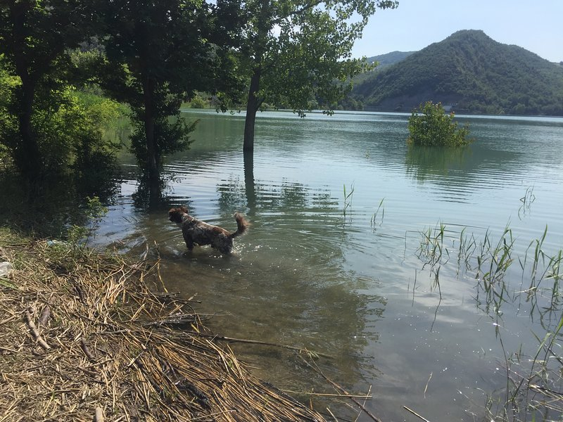 Le lac Saint-Ange, à seulement 5 minutes en voiture de Civitella.