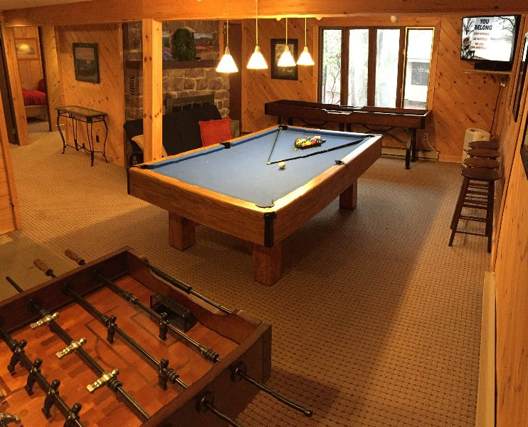 Bear Hugs Chalet Is Awesome Review Of Beautiful Remodeled Home - Pool table jack rental