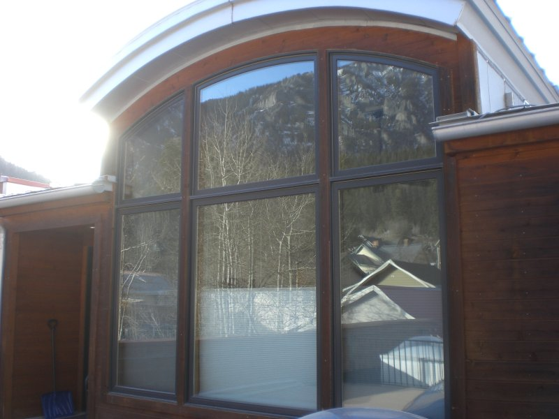 Bedroom windows that give spectacular view of the mountains