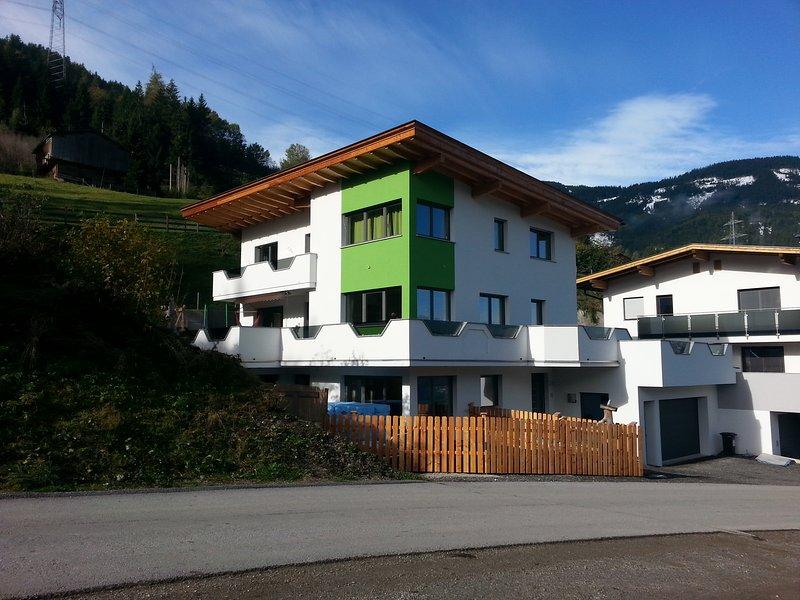 Ferienwohnung 2-5 Personen Haus Sabrina in Kaltenbach Ski Hochzillertal, holiday rental in Kolsassberg
