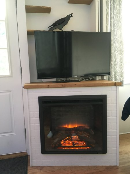 Electric fireplace + LCD smart TV