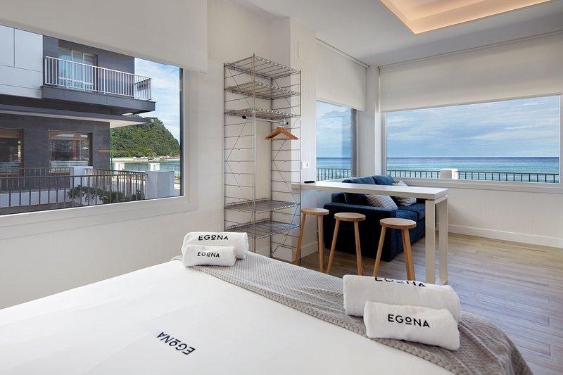 Apartamento egona zarautz sobre el mar mutxio zarautz espa a actualizado 2019 - Apartamentos en zarauz ...
