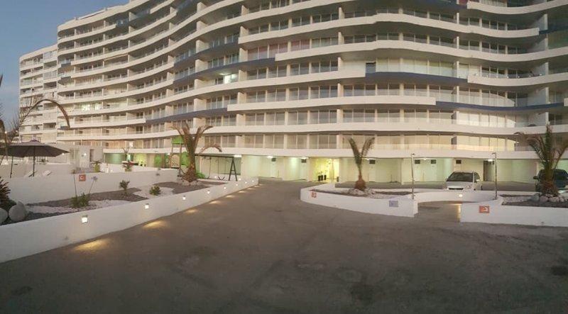 Depto nuevo Playa Huantajaya, vacation rental in Iquique