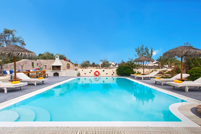 KALYPSO HOUSES -ELIA- Sunny houses with Private Pool and Sea View., vacation rental in Monolithos