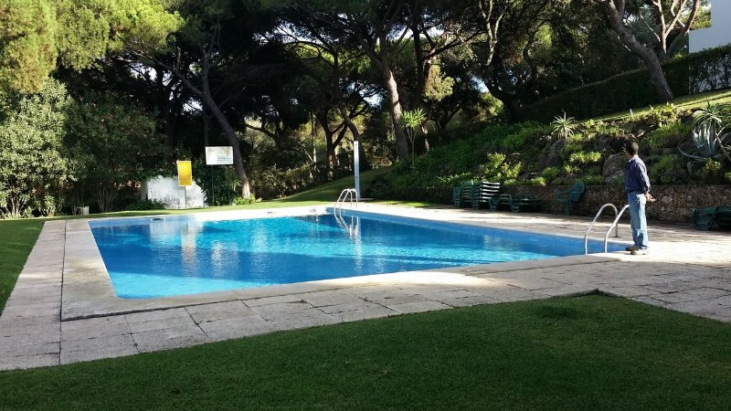 Vilamoura Golf, 3 bedroom house, garden and pool, holiday rental in Vilamoura