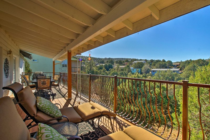 Explore from this 2-bedroom, 2-bathroom vacation rental house in Prescott!