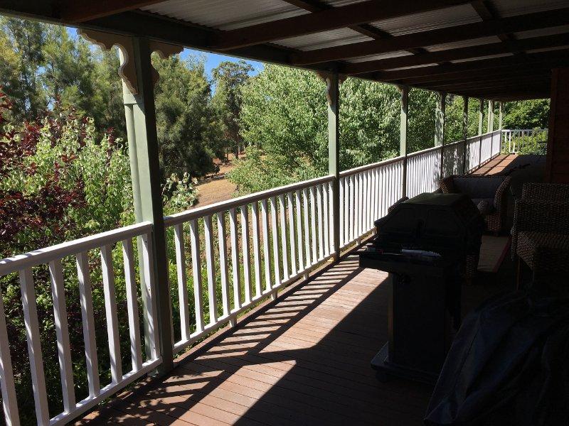 Tegwan's Nest Country Guest house, location de vacances à Nannup