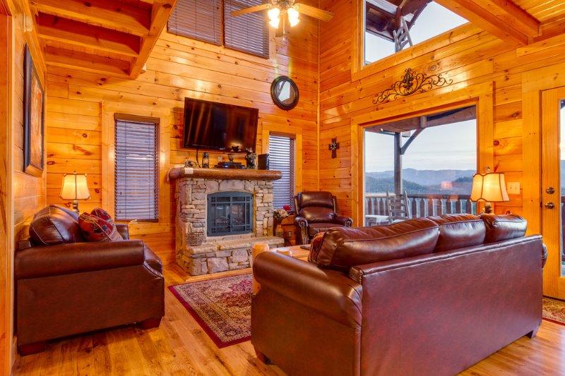Misty Mountain UPDATED 2019: 1 Bedroom Cabin in Pigeon ...