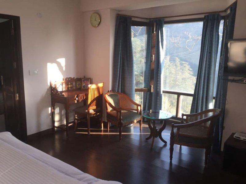 WISPERING PINES - Room 5, casa vacanza a Jubbarhatti