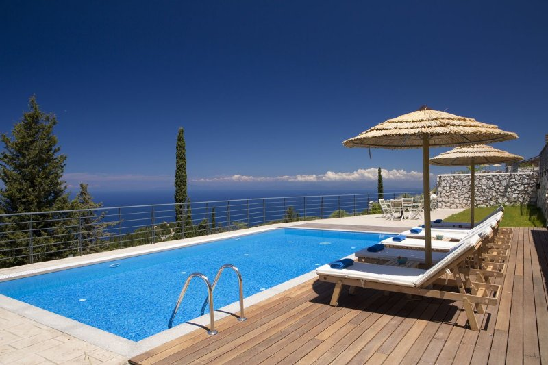 Villa with charming & peaceful sea view, close to Kathisma beach, vacation rental in Lefkada