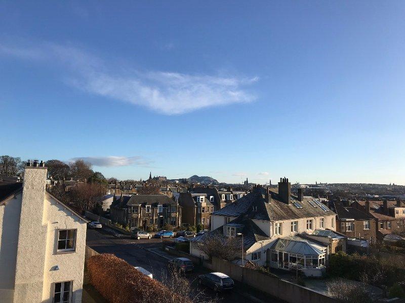 Vista da camere doppie e singole sul Castello di Edimburgo e Arthur Seat