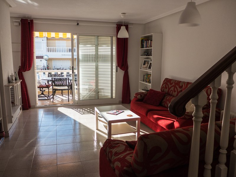 Lovely 3 bedroom townhouse, alquiler vacacional en Guardamar del Segura