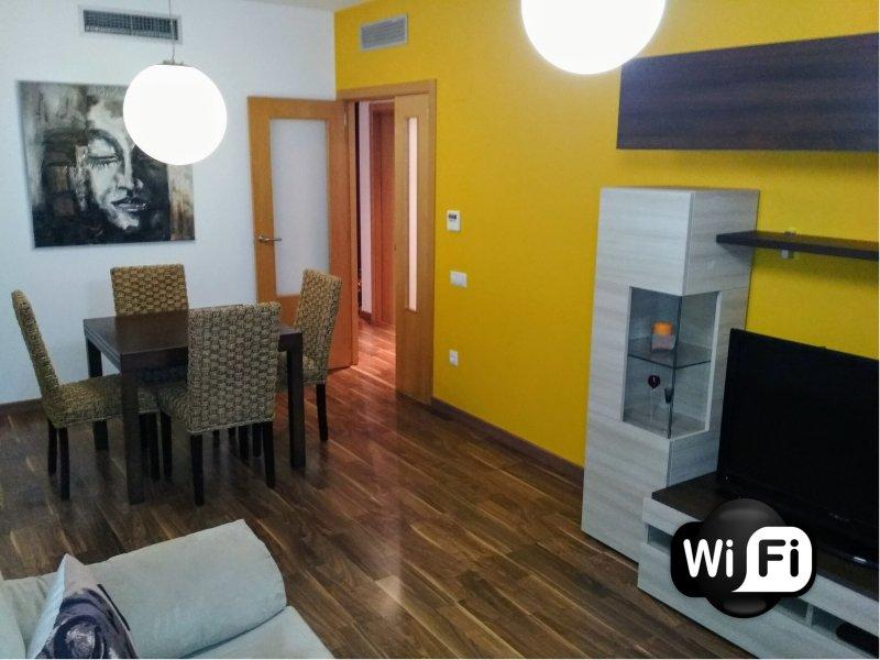Salón - Comedor ( Wifii alta velocidad / Televisíon / Aire acondicionado / Calefacción y mucho más)