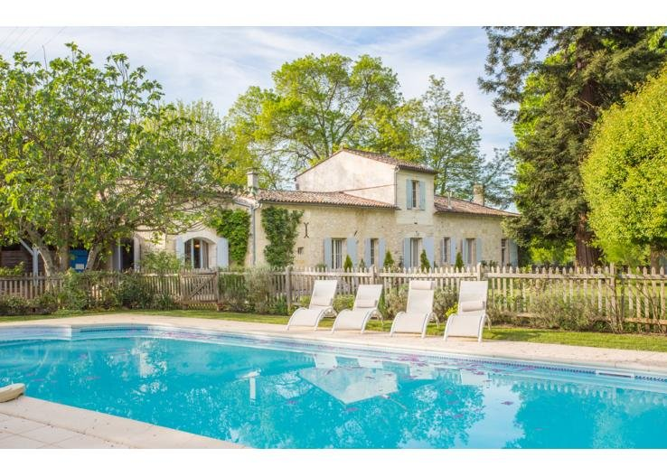 St. Emilion Riverside Retreat - An Idyllic Oasis Set Amongst the Vines, vacation rental in Auriolles