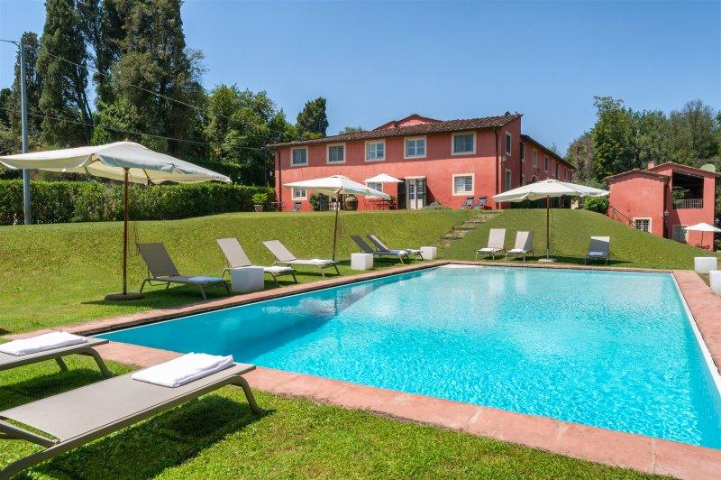 Novedieci - 10 Bedroom Luxury Villa, vacation rental in Lucca
