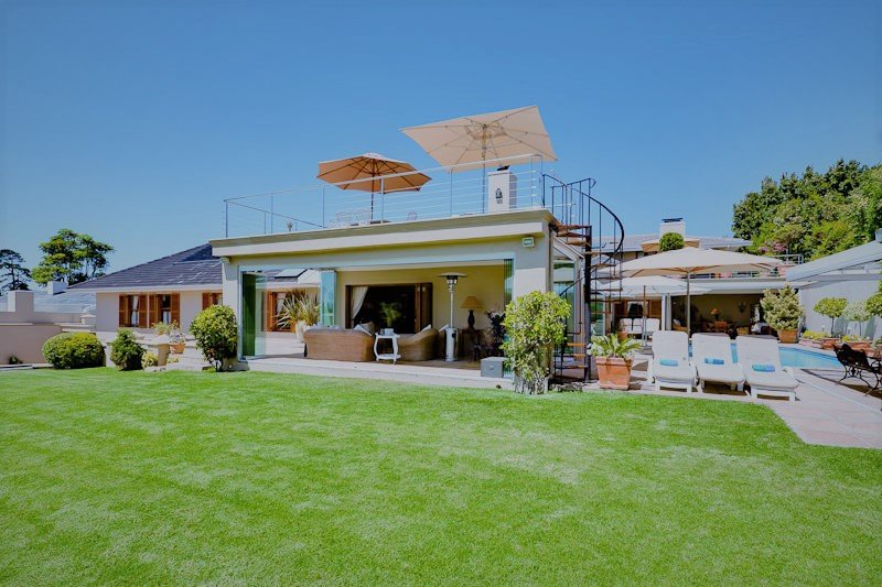 LeBonheur 6 Double Bedroom Villa & Guest suite Sleeps 12 Solar Heated Pool /Jacuzzi EntertainerDream