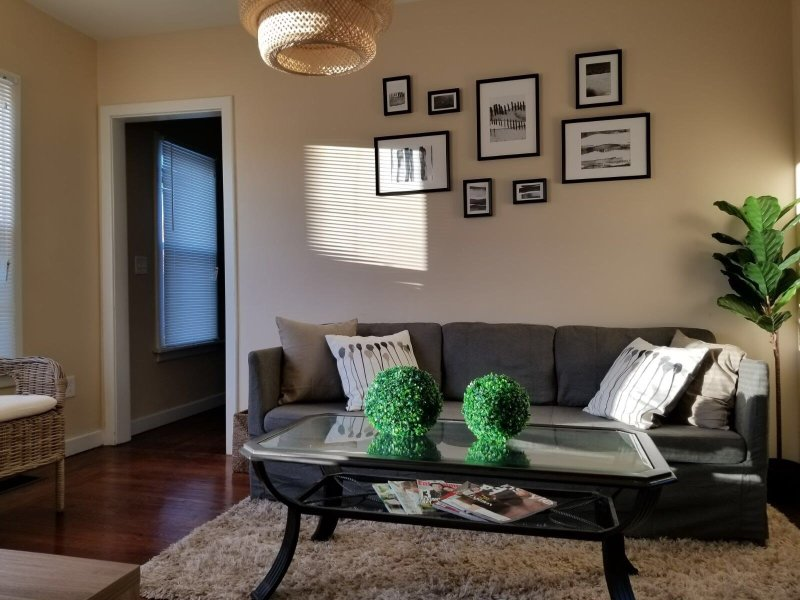 Zen Urban Flat near Downtown Springfield, holiday rental in Hampshire County