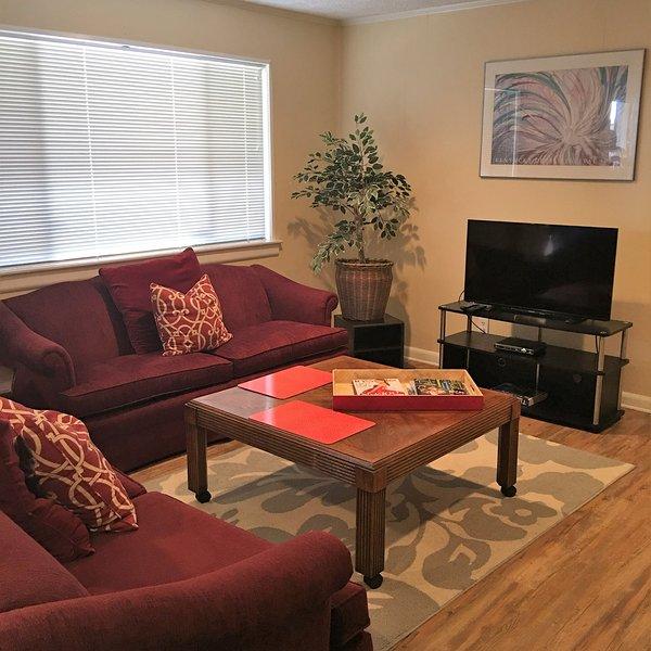 Grande confortável sala de estar