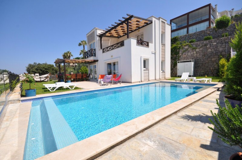 Villa Sofia - Luxury Villa with Amazing Sea View and Private Pool Bodrum Turkey, holiday rental in Turgutreis