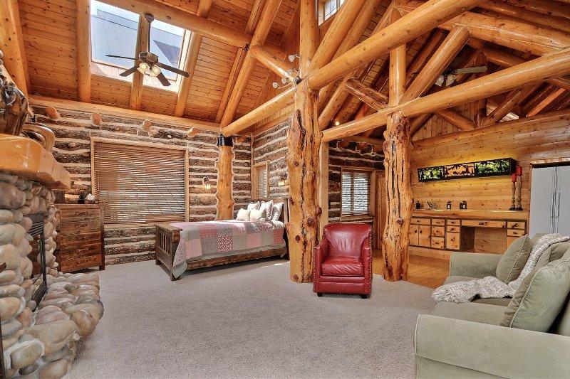Timber Moose Lodge: Largest Log Cabin in USA. Big ... on