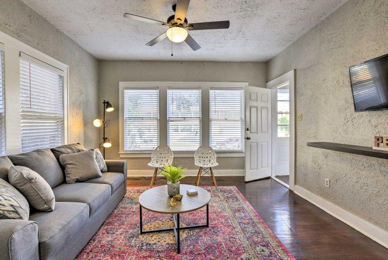 No hay mejor opción para su retiro de San Antonio de 1 dormitorio, 1 baño-apartamento de vacaciones, en el área de Five Points.