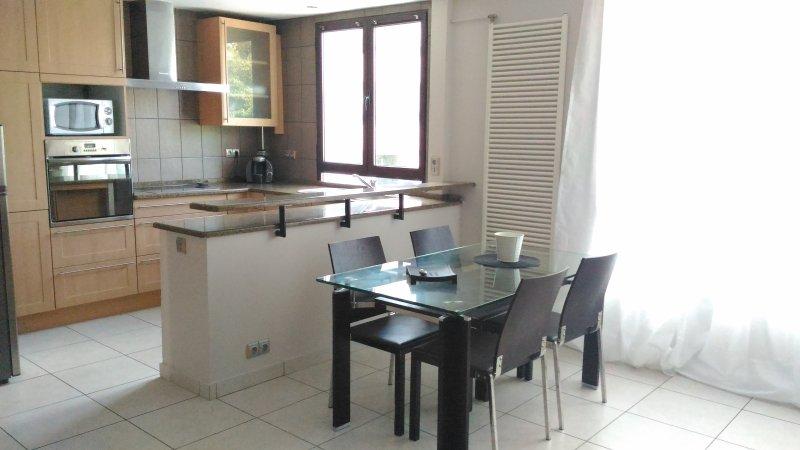 La Casa du Thiou classé 3*** parking privé, holiday rental in Cran-Gevrier