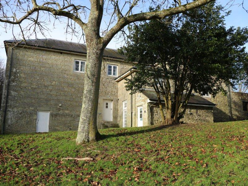 THE RETREAT, on grounds of Appuldurcombe House, WiFi, woodland surrounding, Ref, Ferienwohnung in Godshill