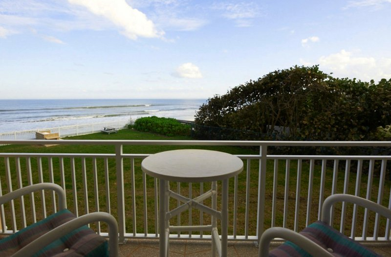 Direct Oceanfront - Beautifully updated - Excellent Ocean Views, vacation rental in Satellite Beach