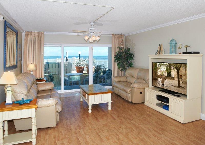 Direct Oceanfront – Spacious Ground floor, vacation rental in Satellite Beach