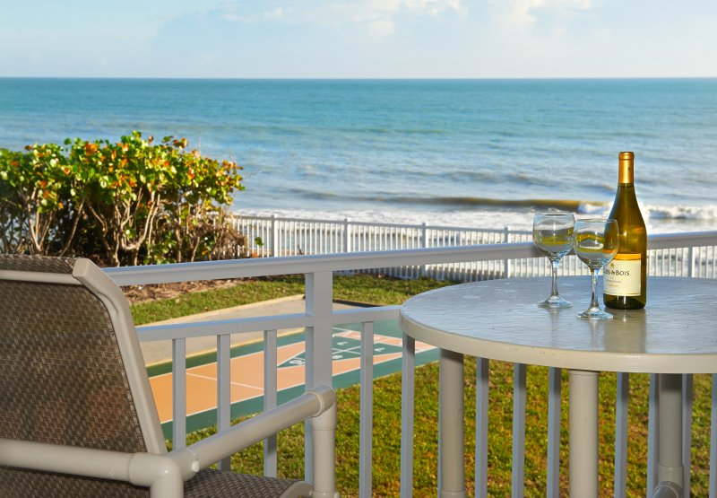 Awesome Views. On the Beach. Pet Friendly. Fully Renovated, holiday rental in Palm Shores