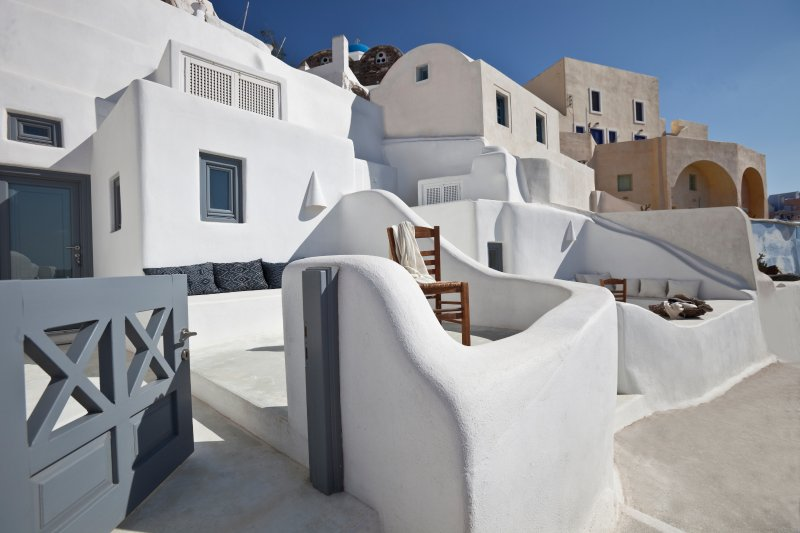 OW Terrace with Oia Blue in background
