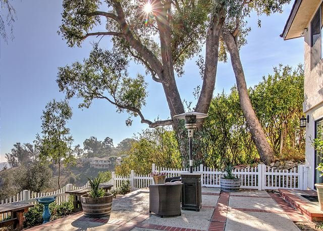 Luxe Home w/ Stunning Canyon Views, Private Patio & Multiple Living  Areas, holiday rental in Ladera Ranch