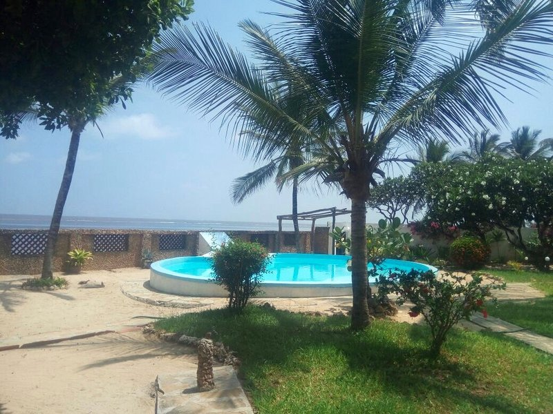 Ocean facing Silversands beach apartment, location de vacances à Malindi