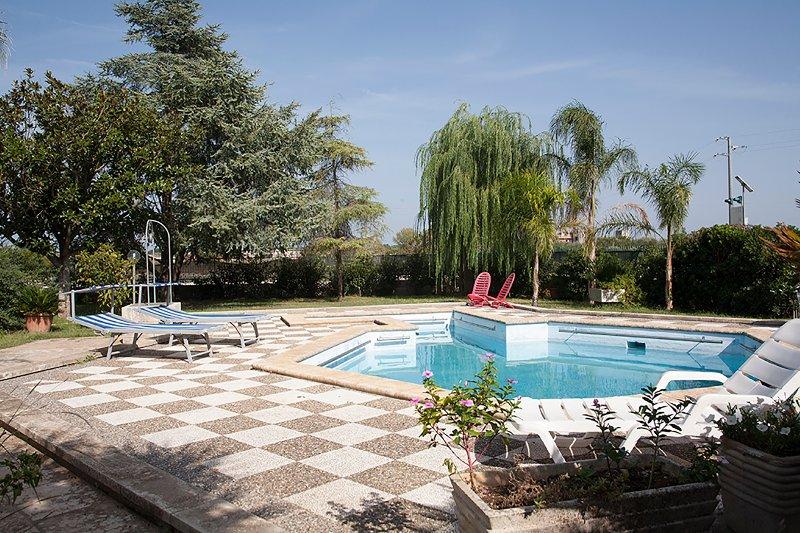 Villa relax di campagna con piscina privata m134, vacation rental in Serrano