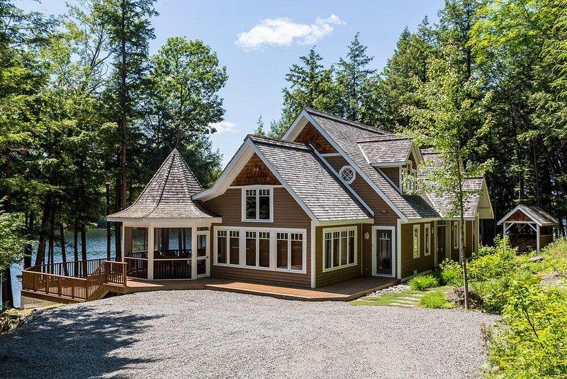 sandy shores on lake joseph luxury cottage boathouse updated rh tripadvisor com