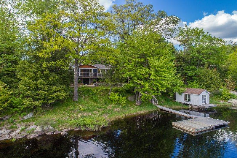 vista de la casa del lago