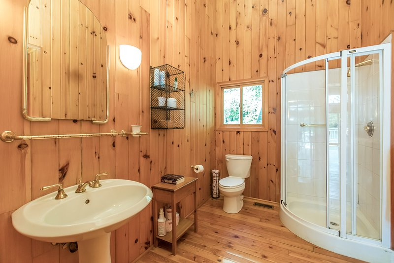 boathouse guest bathroom