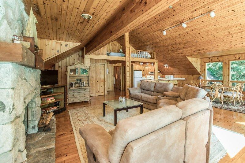 boathouse livingroom