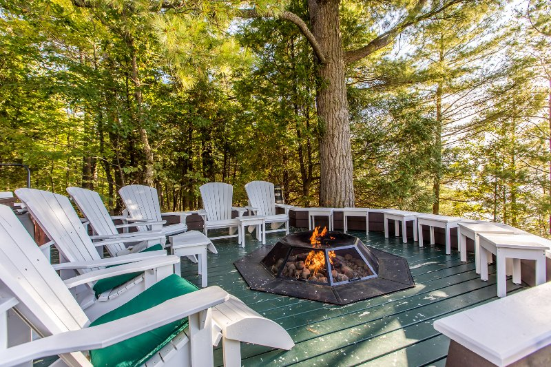 Spectacular propane fire pit
