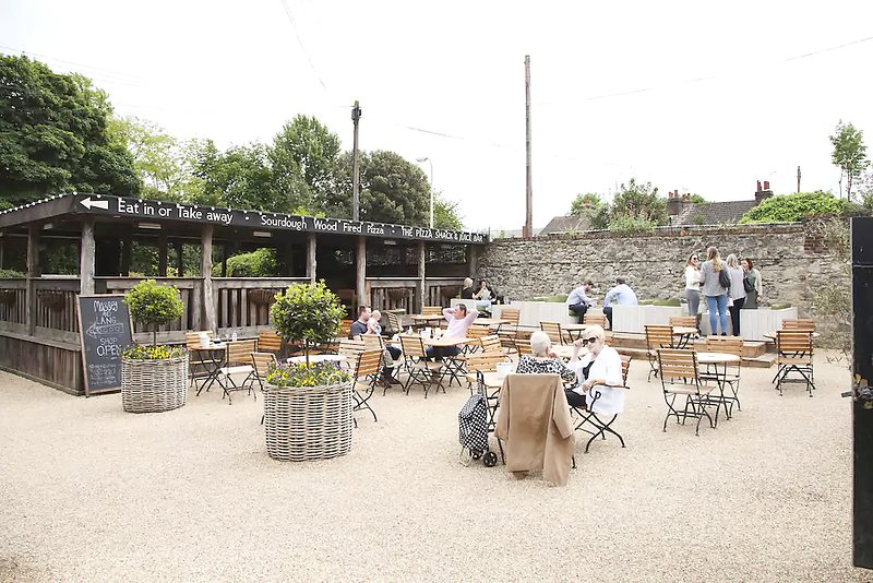 Set right in the heart of West Malling within the courtyard of the gastropub The Farmhouse.
