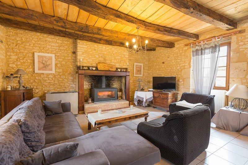 Pezuls Villa Sleeps 6 with Pool - 5049670, casa vacanza a Sainte-Alvere