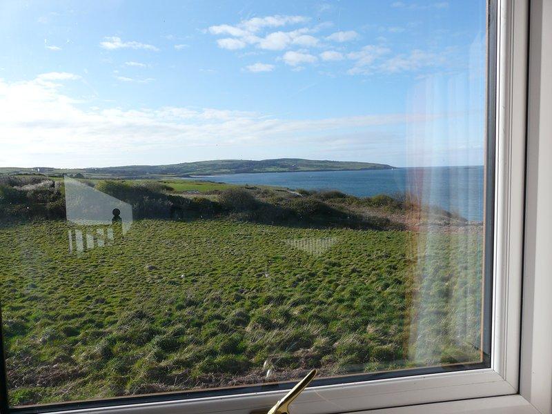 vista fabulosa sobre o mar a partir deste apartamento Moelfre