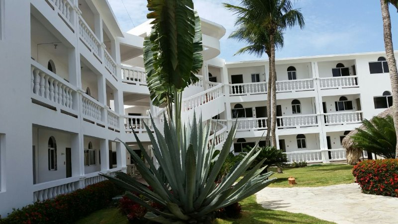 Ocean view-Condo in Cabarete, short walk to Encuentro Beach., holiday rental in Cabarete